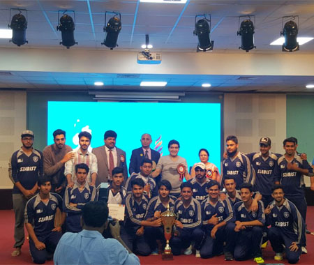 Winners Group Photo with Diago Maradona at BITS Pilani Cricket Tournament (Nov, 17, 2016)